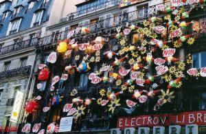 NON - Façade du squat 59 rue de Rivoli - Paris, France, 1er mai 2002
