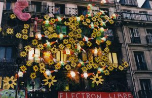 Tribute to Van Gogh - Facade of the Squat 59 rue de Rivoli - Paris, France, april 2001