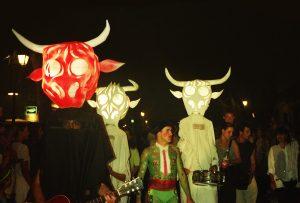 Les toros musiciens - Uzès 1992